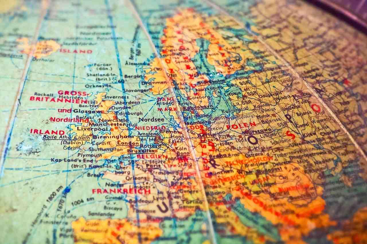 Tłumaczenie a lokalizacja – różnice